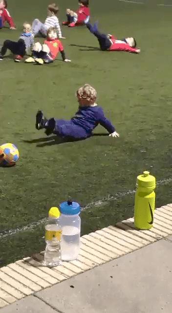 Enfant pendant l'entraînement | Image : Twitter/ AD La Vaguada