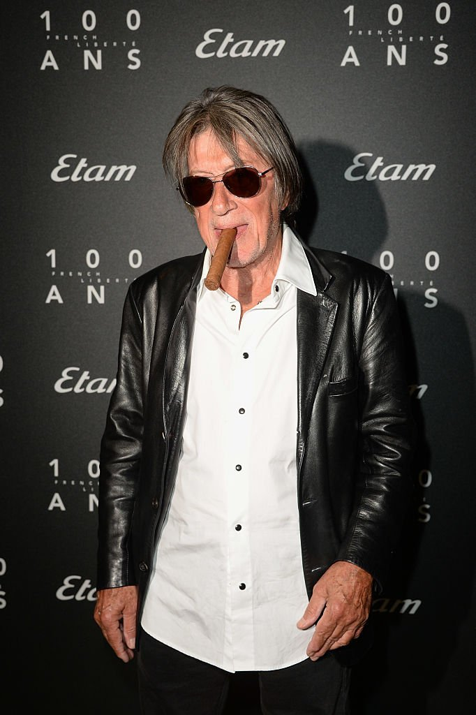Jacques Dutronc assiste au défilé Etam dans le cadre de la Fashion Week de Paris Printemps / Été 2017 le 27 septembre 2016 à Paris, France. | Photo : Getty Images