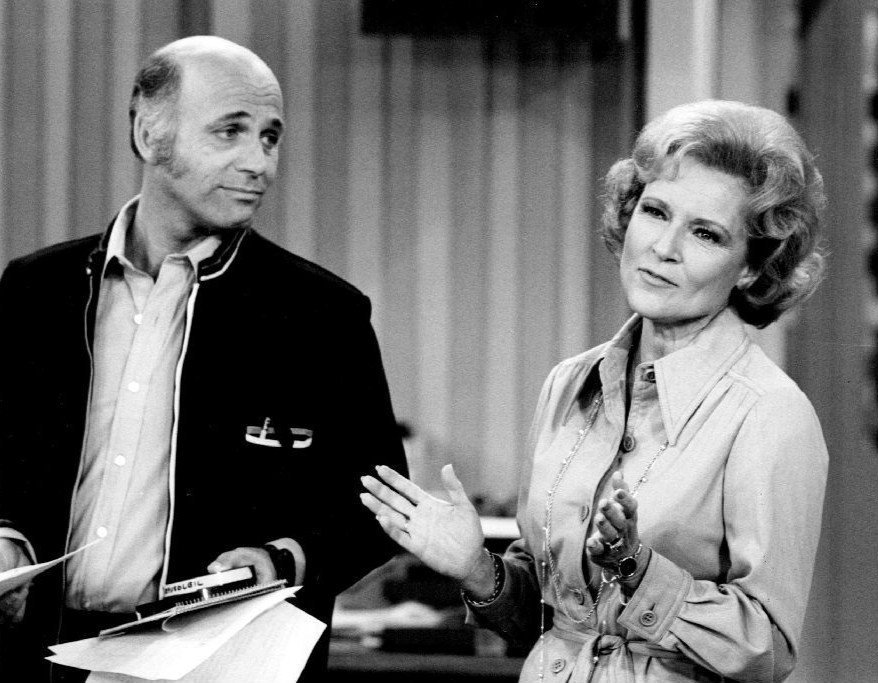 "MacLeod with Betty White on set of ""The Mary Tyler Moore Show"" in August 1975 