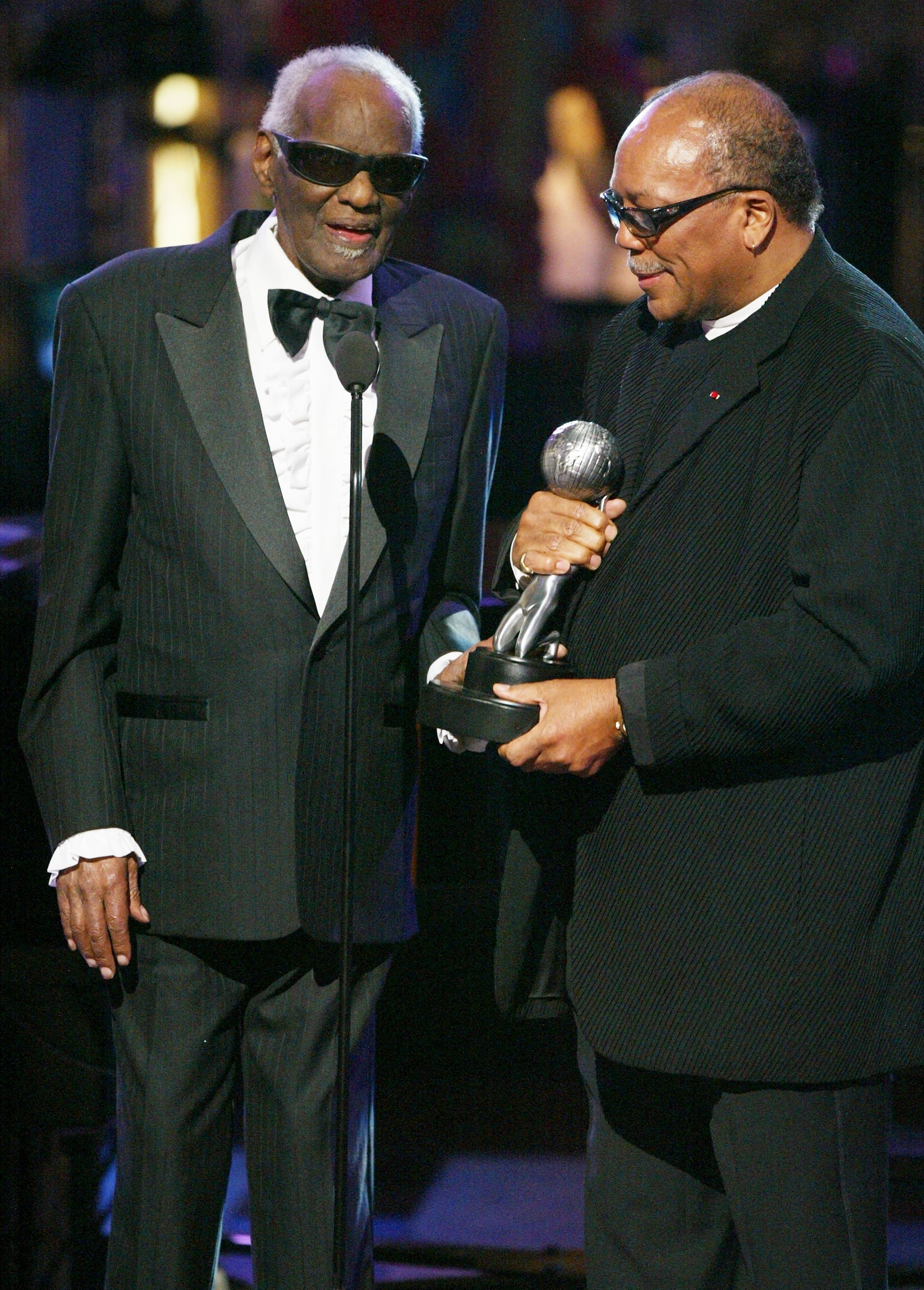 Ray Charles and producer Quincy Jones on stage at the 35th Annual NAACP Image Awards at the Universal Amphitheatre, March 6, 2004. | Source: Getty Images