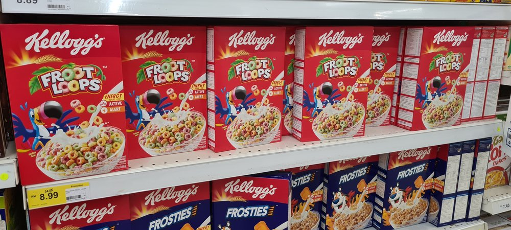 Kellog's brand cereals such as Froot Loops and Frosties on display at an aisle in a supermarket on October 25, 2020   Photo: Shutterstock