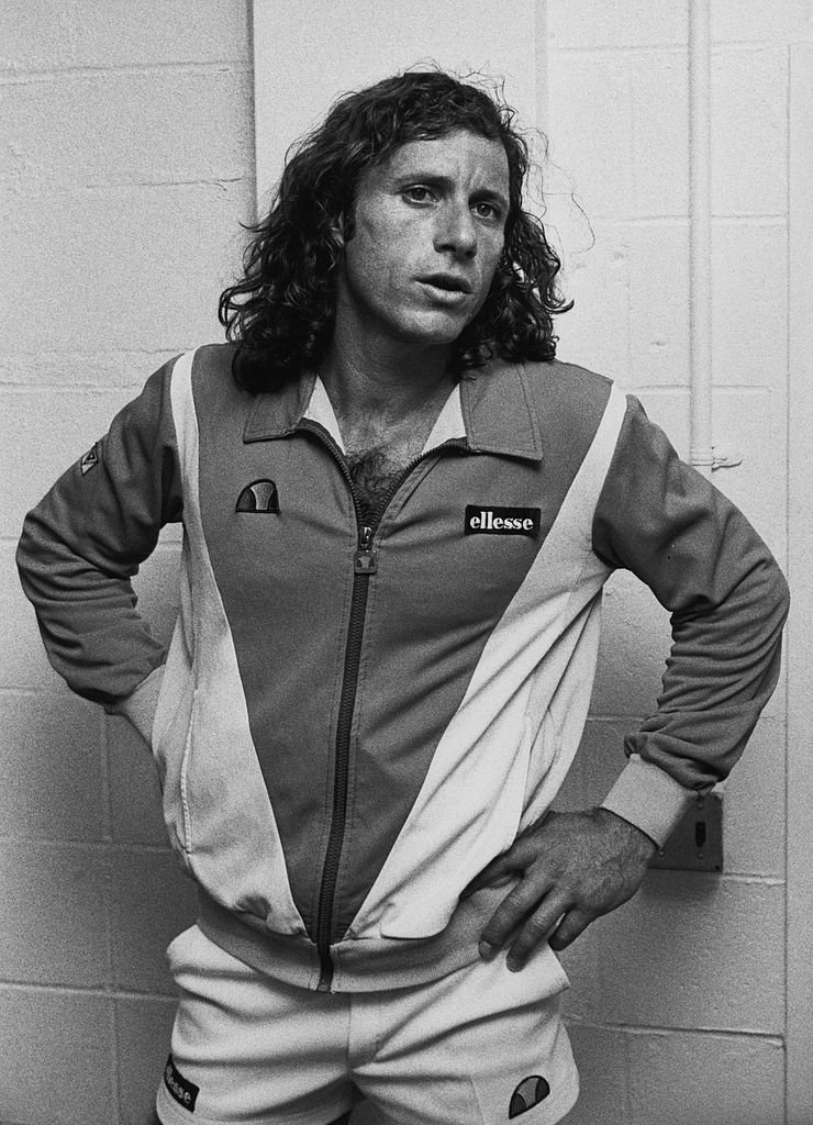 Guillermo Vilas assiste à l'US Open Tennis Tournament le 5 septembre 1982 à Flushing Meadows Park à New York. | Photo : Getty Images