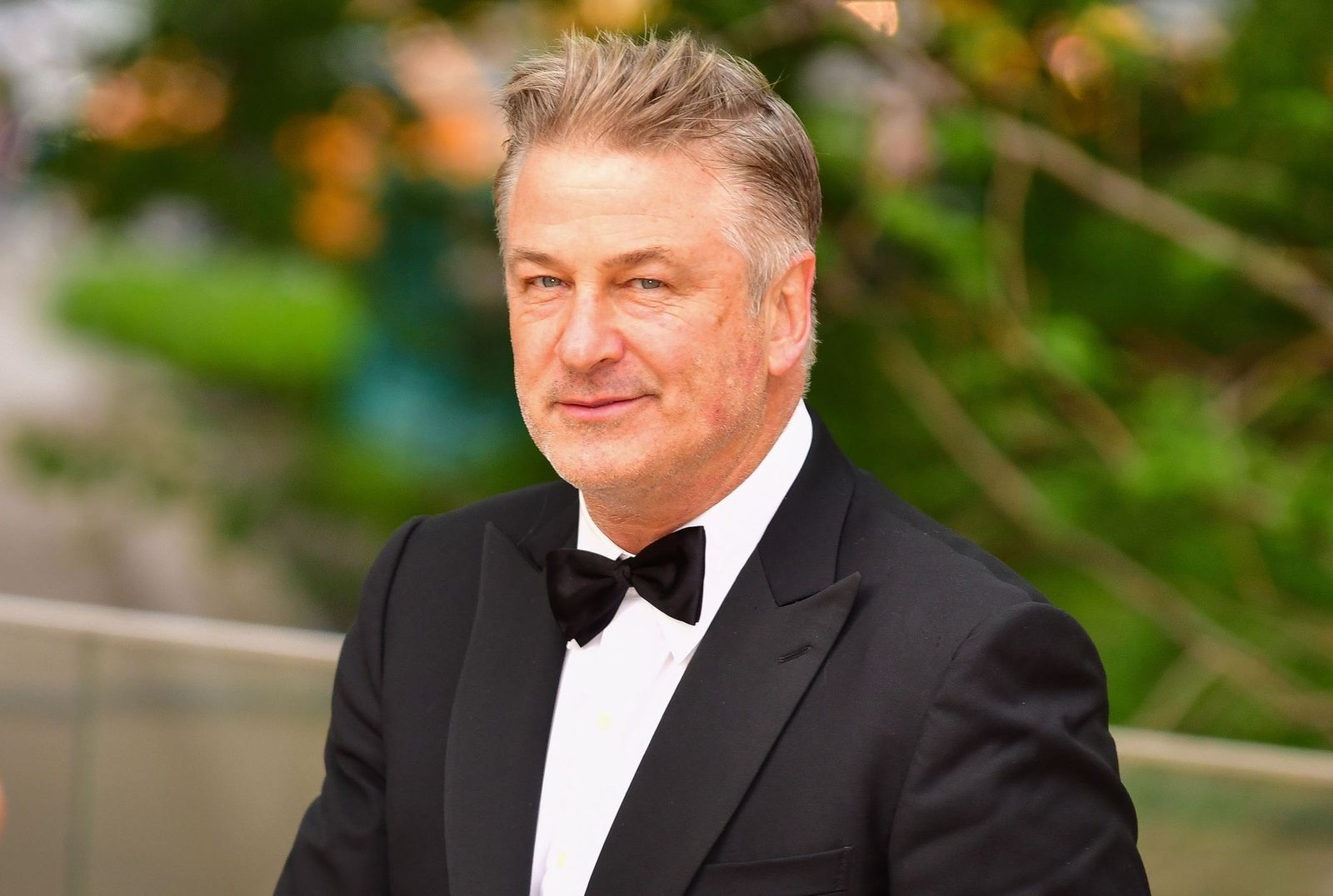 Alec Baldwin at the American Ballet Theatre Spring Gala at The Metropolitan Opera House on May 20, 2019, in New York City | Photo: James Devaney/GC Images/Getty Images