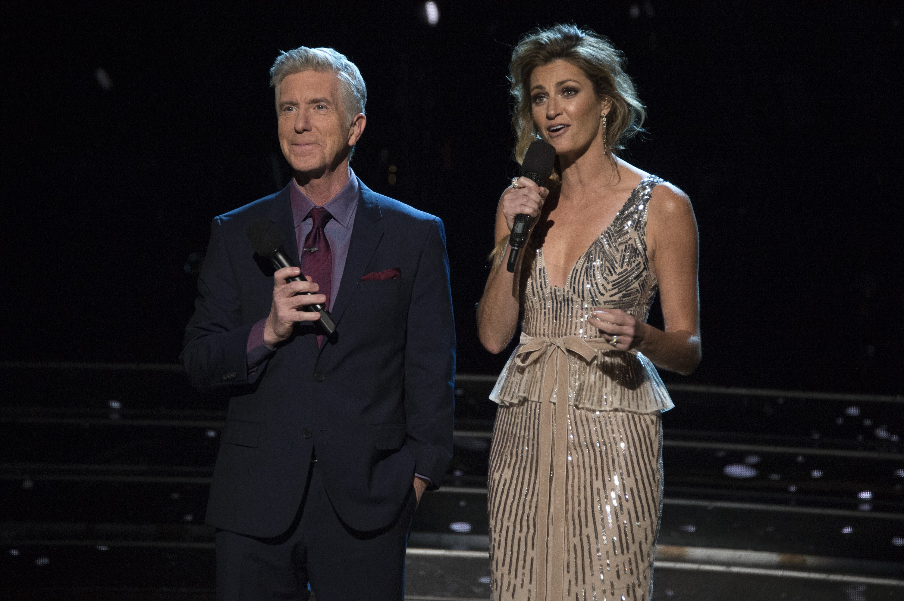 """Tom Bergeron and Erin Andrew co-host the Semi-finals of """"Dancing With the Stars"""" on November 12, 2018 