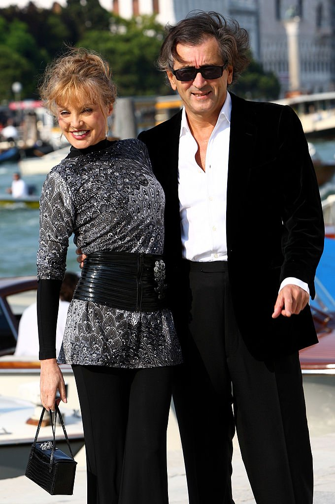 Arielle Dombasle et son mari Bernard-Henri Lévy. l Source : Getty Images