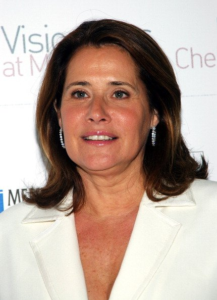Lorraine Bracco at Marlbrough Chelsea Gallery in New York City, New York, United States. | Photo: Getty Images