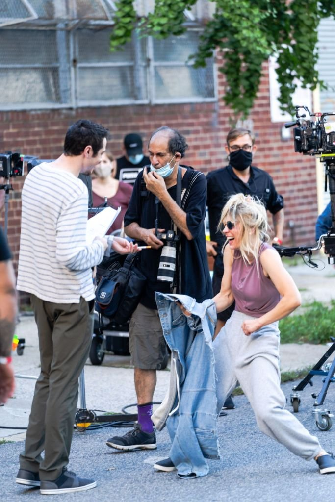 """Pete Davidson and Kaley Cuoco are seen filming """"Meet Cute"""" in Brooklyn in August 2021   Source: Getty Images"""