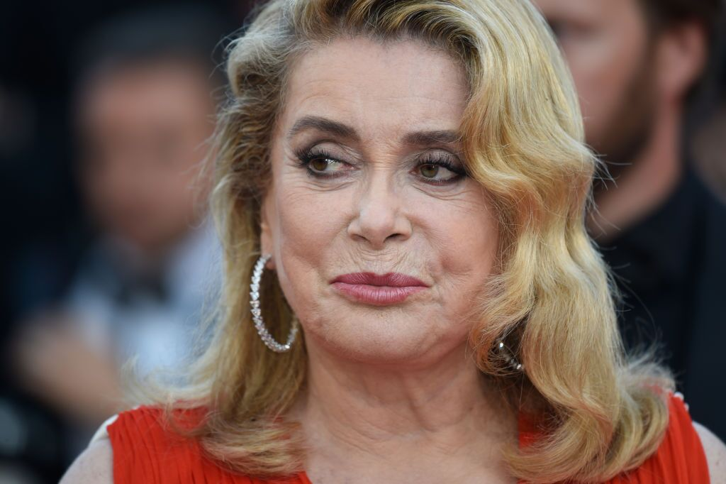 Cannes, France - 23 mai : Catherine Deneuve participe au 70e anniversaire du 70e festival de film de Cannes au palais des festivals le 23 mai 2017 à cannes, France. (Source : Getty Images)