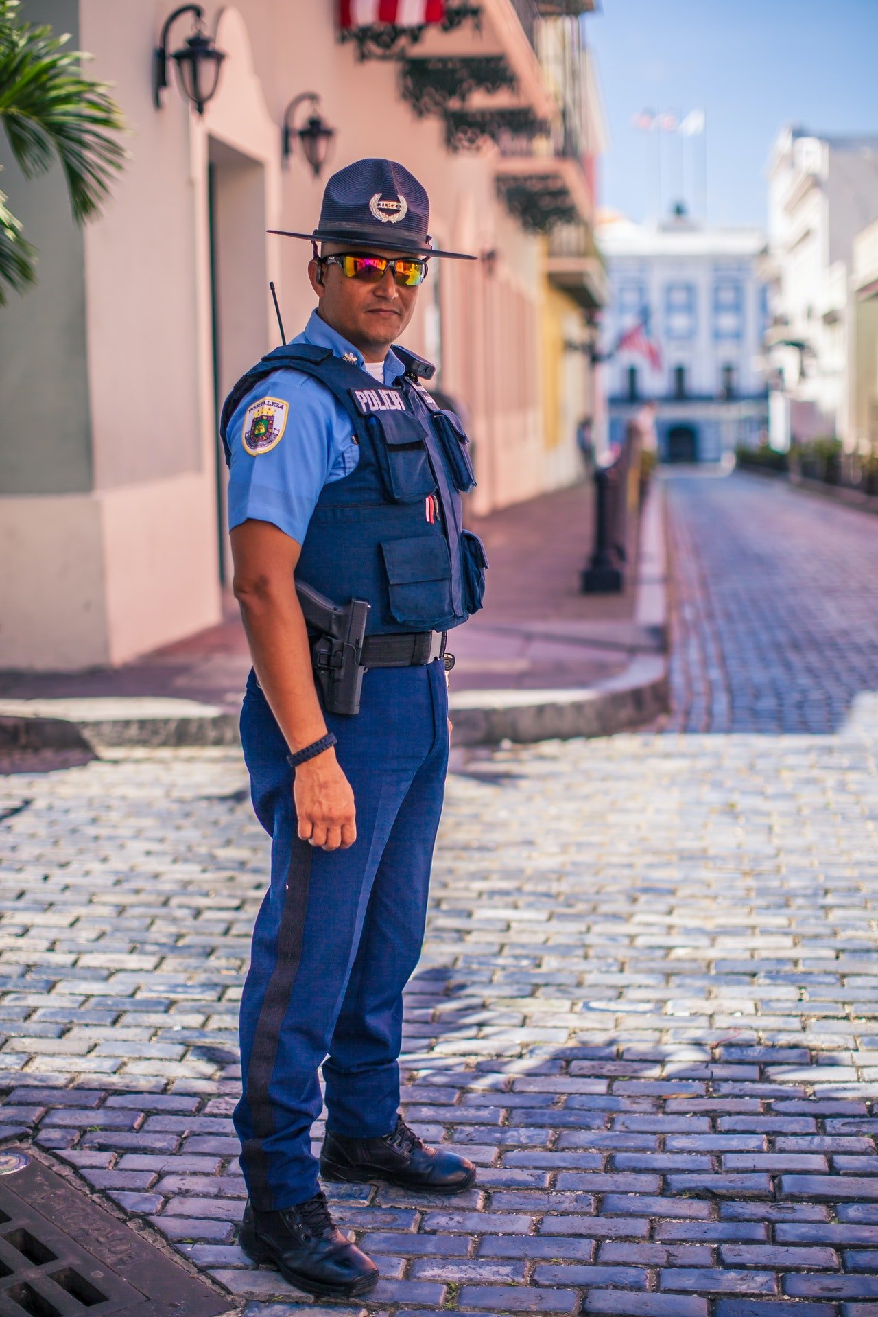 Photo of a fully kitted police officer   Photo: Pexels