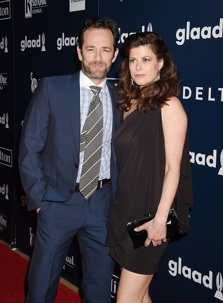 Luke Perry and fiance, Wendy Madison Bauer at an event   Photo: Getty Images