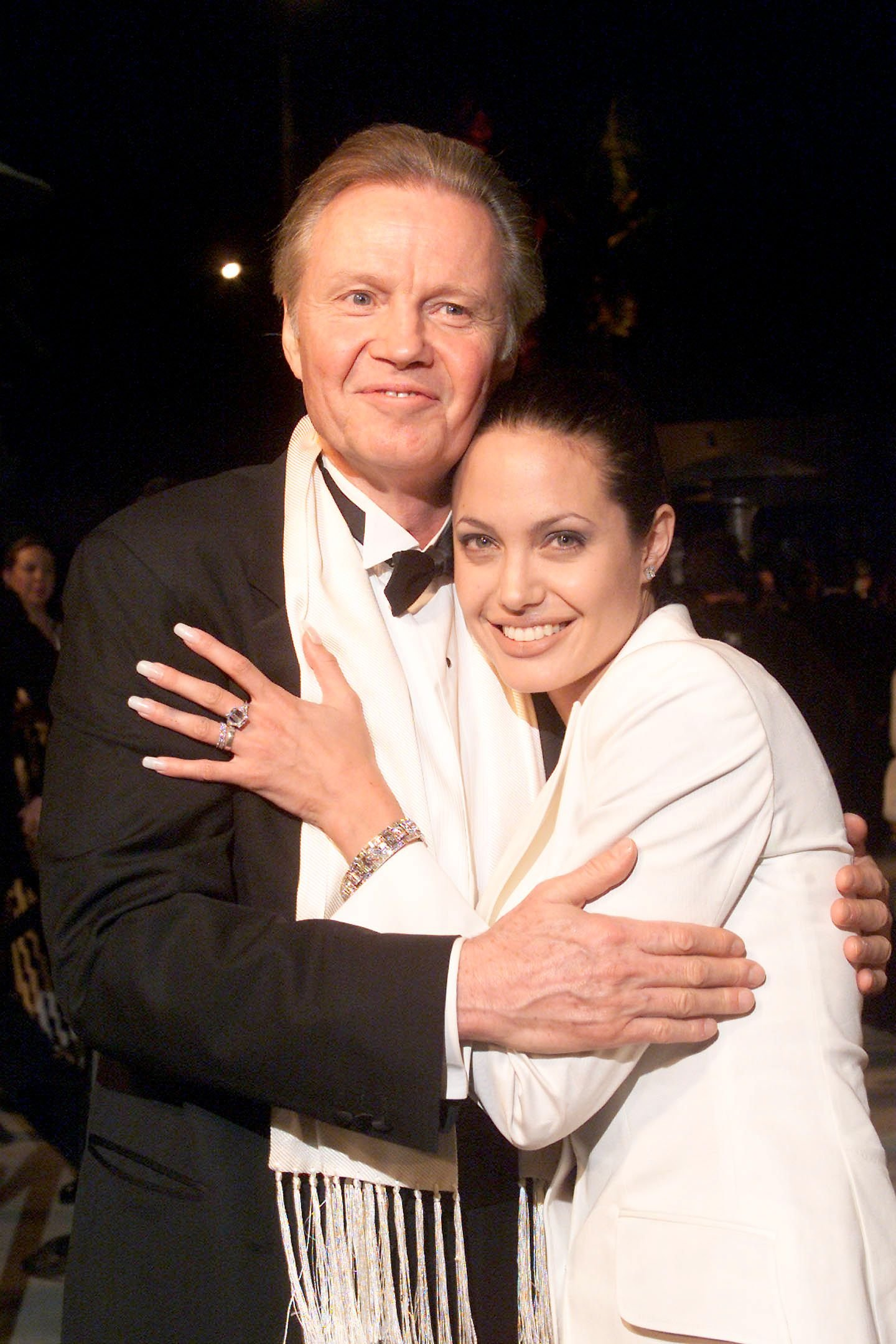 Angelina Jolie and Jon Voight at the Vanity Fair Oscar Party, LA, 2001 | Photo: Getty Images