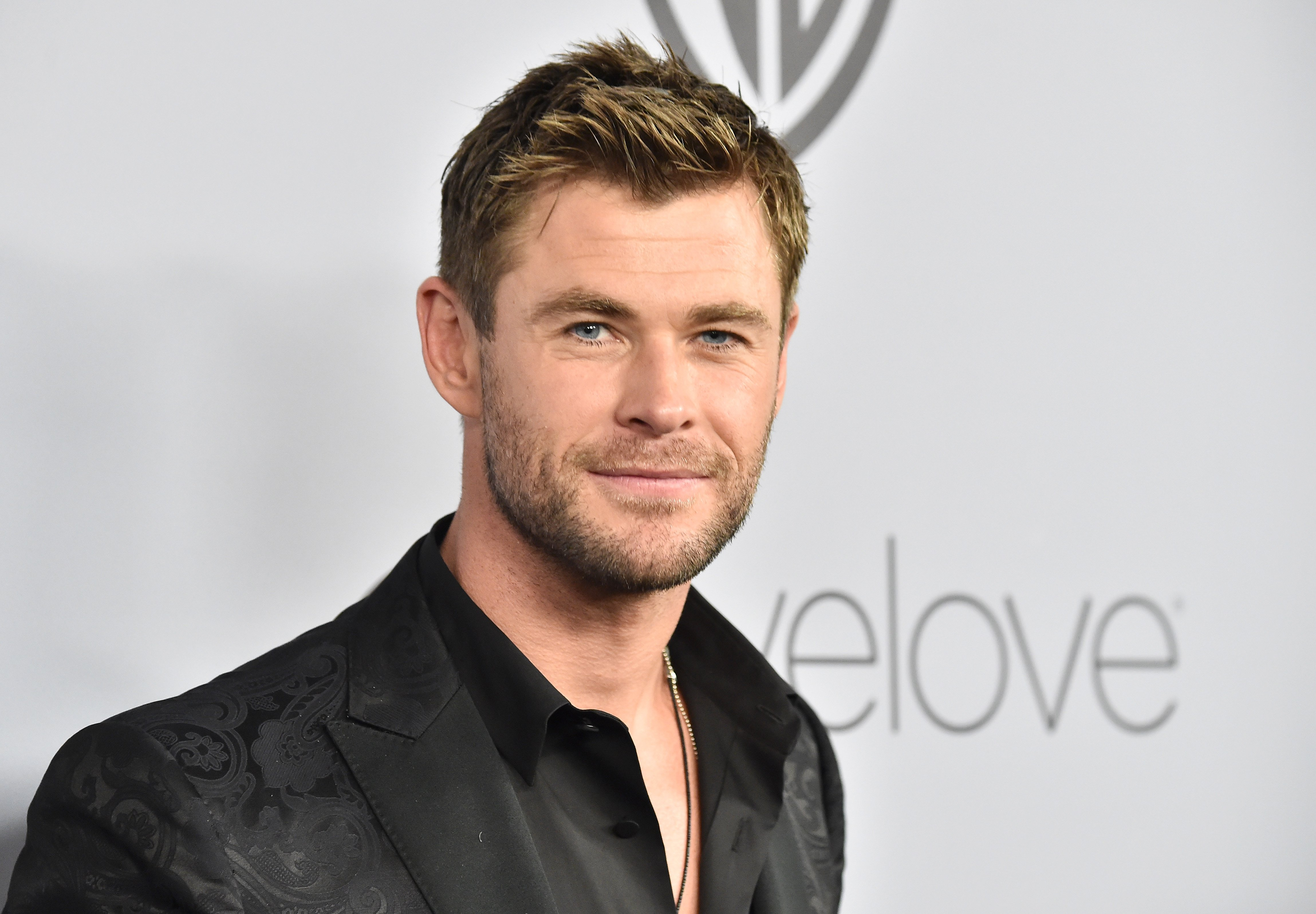 Chris Hemsworth attends 19th Annual Post-Golden Globes Party on January 7, 2018, in Beverly Hills, California. | Source: Getty Images.