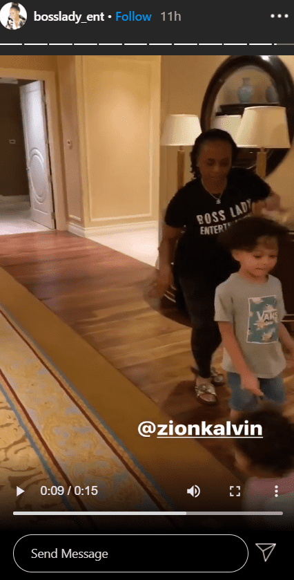 Photo of Shante Broadus having fun with her grandchildren | Photo: Instagram / bosslady_ent
