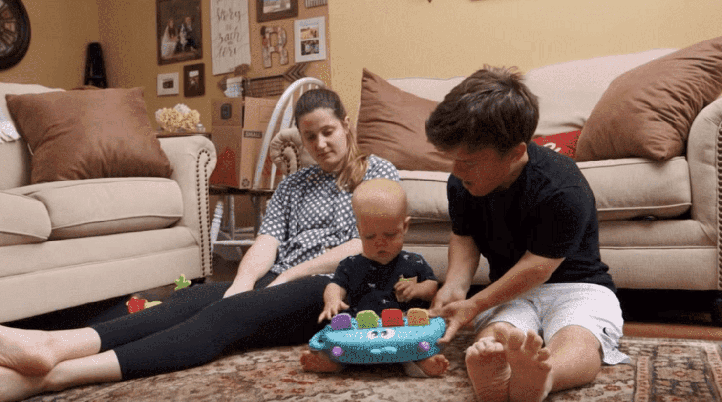 "Tori, Zach, and their son Jackson during an episode of ""Little People, Big World"" from June 7, 2019.  