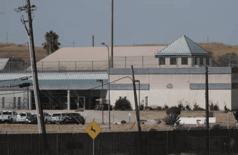 A view from outside the walls of the Federal Correctional Institution in Dublin, on September 13, 2014, California | Source: Anda Chu/MediaNews Group/The Mercury News via Getty Images