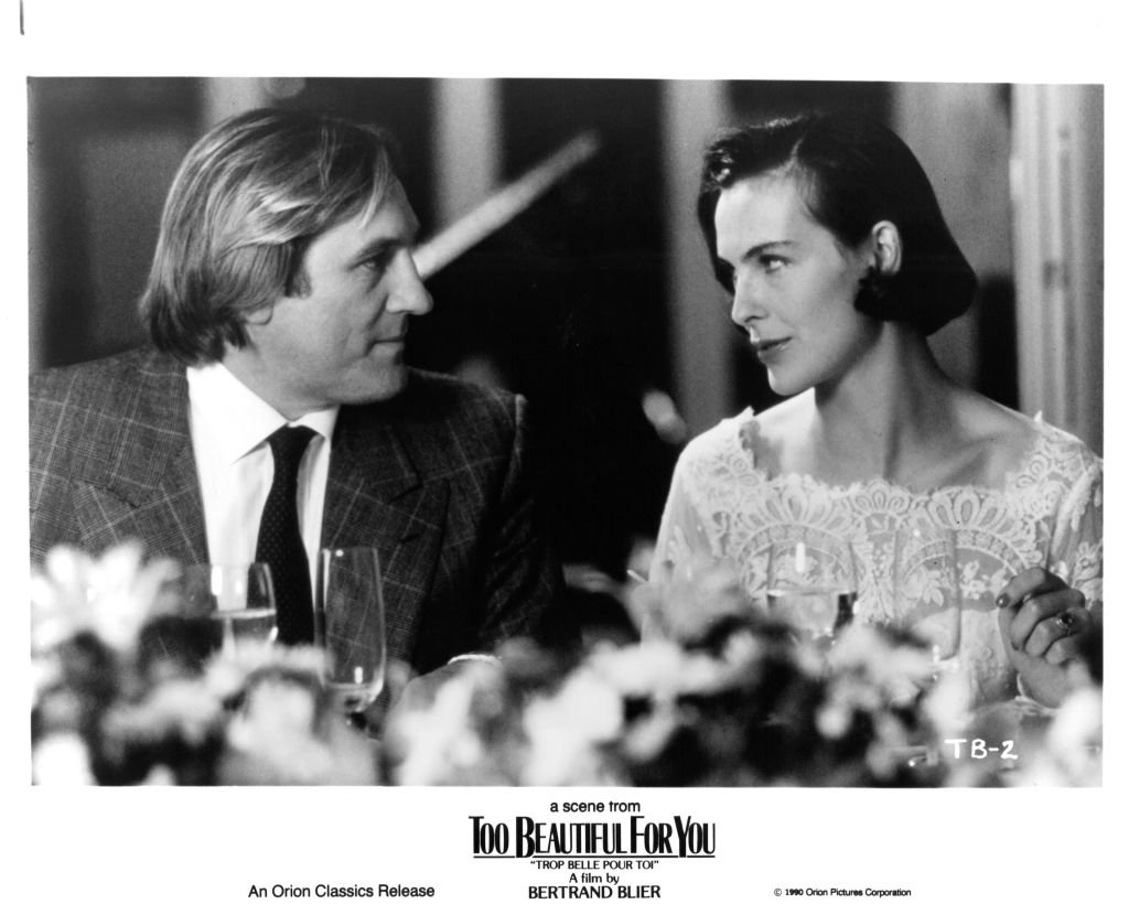 "Gerard Depardieu et l'actrice Carole Bouquet dans une scène du film Orion Classic ""Too Beautiful for You"", vers 1989. 