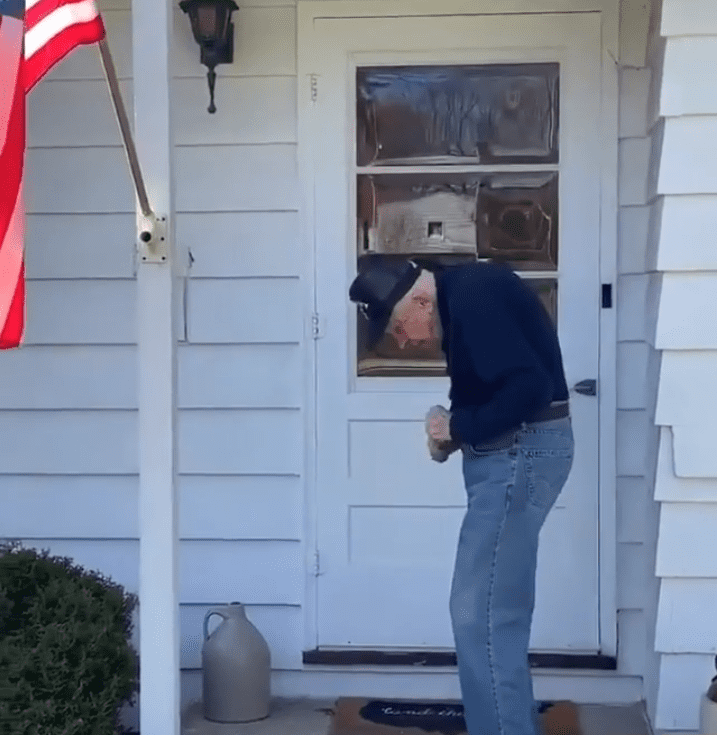 """World War II veteran Chuck Franzke dancing to Justin Timberlake's """"Can't Stop the Feeling!"""" in 2020.   Photo: Instagram/Good News Movement"""