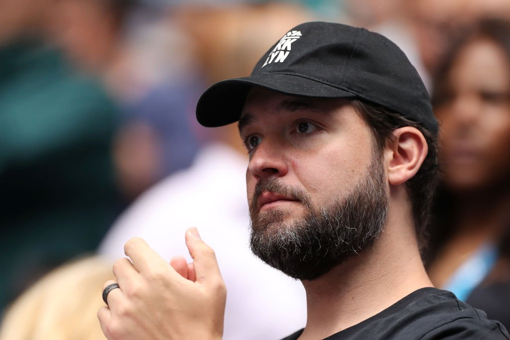Alexis Ohanian claps from the stands while watching his wife Serena Williams play at the Australian Open on January 20, 2020, in Melbourne, Australia | Source: Mark Kolbe/Getty Images
