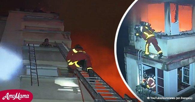 L'incendie meurtrier à Paris : des images impressionnantes de l'intervention des pompiers dans un bâtiment
