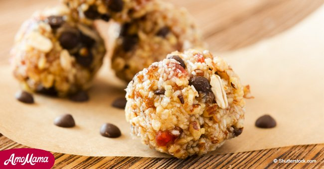 Unbaked peanut butter granola cups are perfect for snacks in kids' lunches