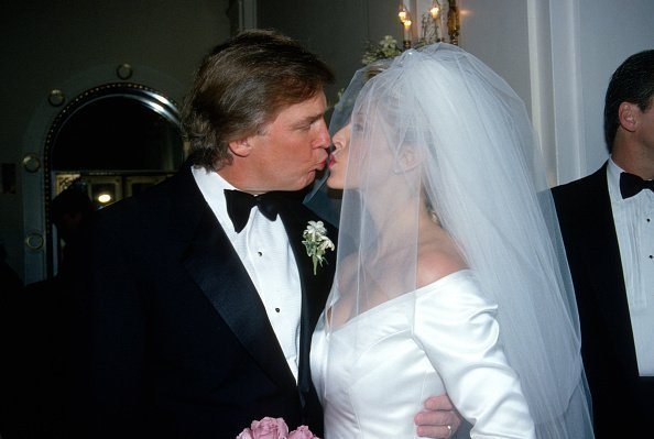 Donald Trump and Marla Maples at the Plaza Hotel December 20, 1993 in New York City | Photo: Getty Images