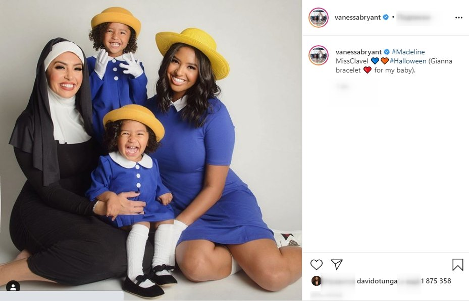 A photo of Vanessa Bryant and her daughters in their Halloween costume. | Photo: Instagram/Vanessabryant