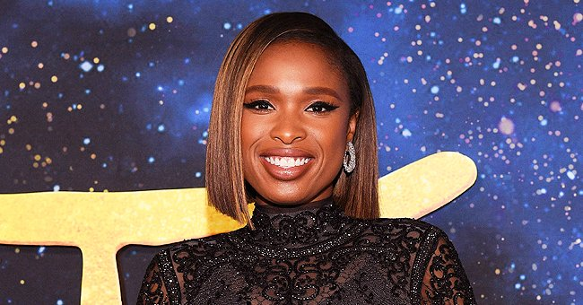 Jennifer Hudson Tries to Do Push-Ups in Cute Outfit as She Does New Challenge in Video