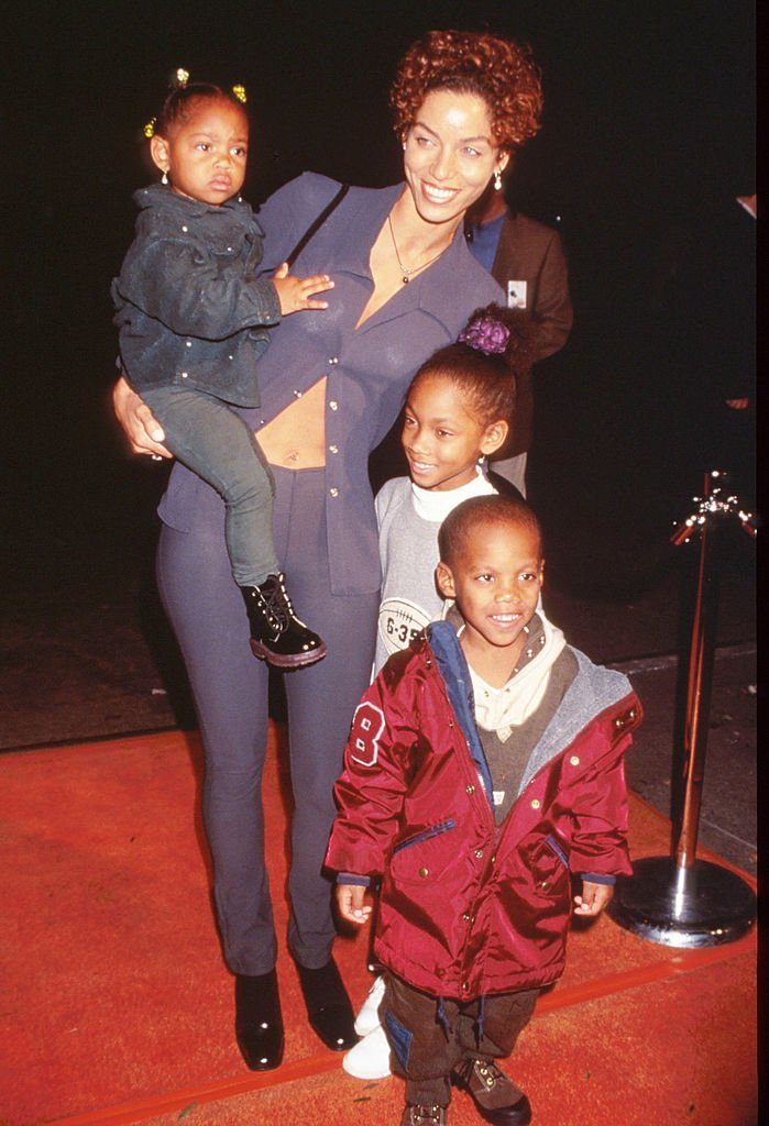 Nicole Murphy and her children, Miles Murphy, Bria Murphy, and Shayne Murphy attend a benefit at the Manhattan Children's Museum on October 3, 1996, New York City | Source: Getty Images (Photo by Evan Agostini/Liaison)