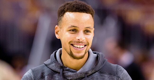 Stephen Curry and Daughters Sing 'Hamilton' in the Car (Video)