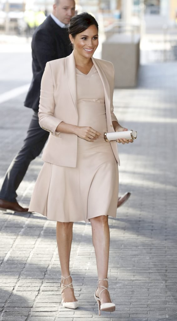 Meghan, Duchess of Sussex arrives at The National Theatre Source |Photo: Getty Images
