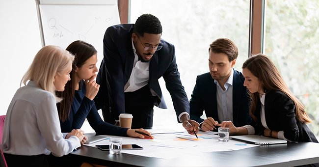 A photo of a boss and workers during a meeting.   Photo: Shutterstock
