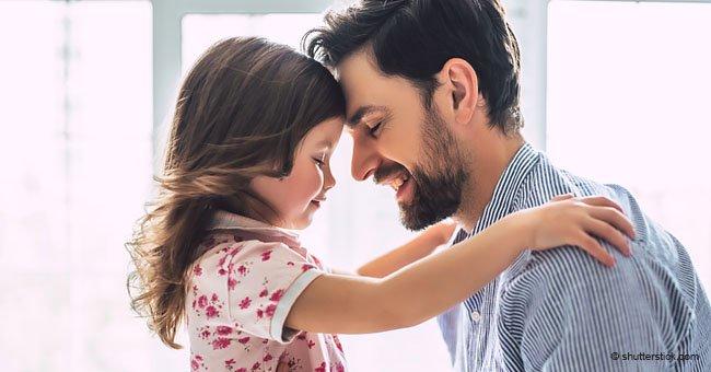 Padres hacen lo imposible por mantener viva y feliz a hija enferma tras muerte de su mellizo