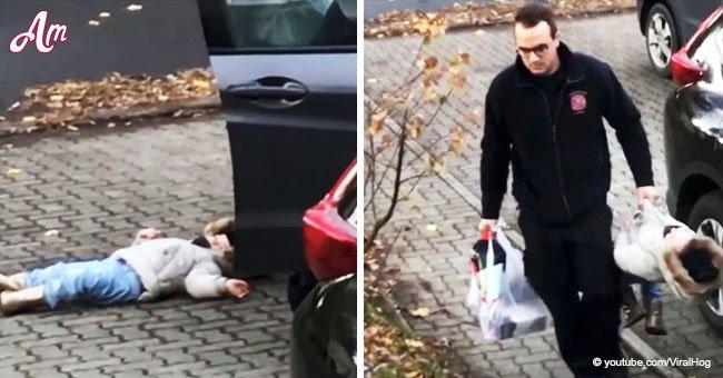 Une vidéo hilarante montre la résolution du père après s'être fatigué de la crise de colère de sa fille de deux ans