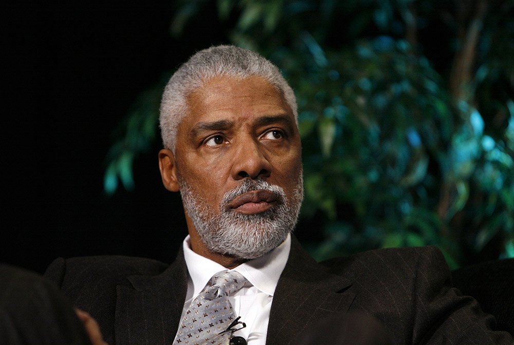 Julius Erving looks on during the Martin Luther King, Jr. Day Sports Legacy Symposium presented by the Hyde Family Foundation on January 19, 2009 at FedExForum in Memphis, Tennessee. I Image: Getty Images.