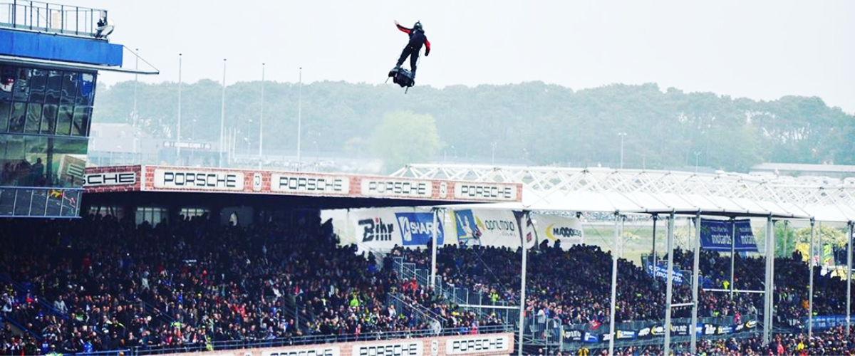 Première mondiale : Franky Zapata a réussi à traverser la Manche sur un Flyboard