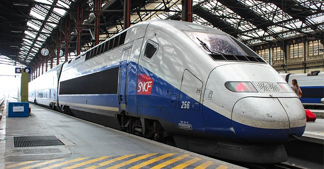 La photo d'un train de la SNCF | Source: shutterstock.com
