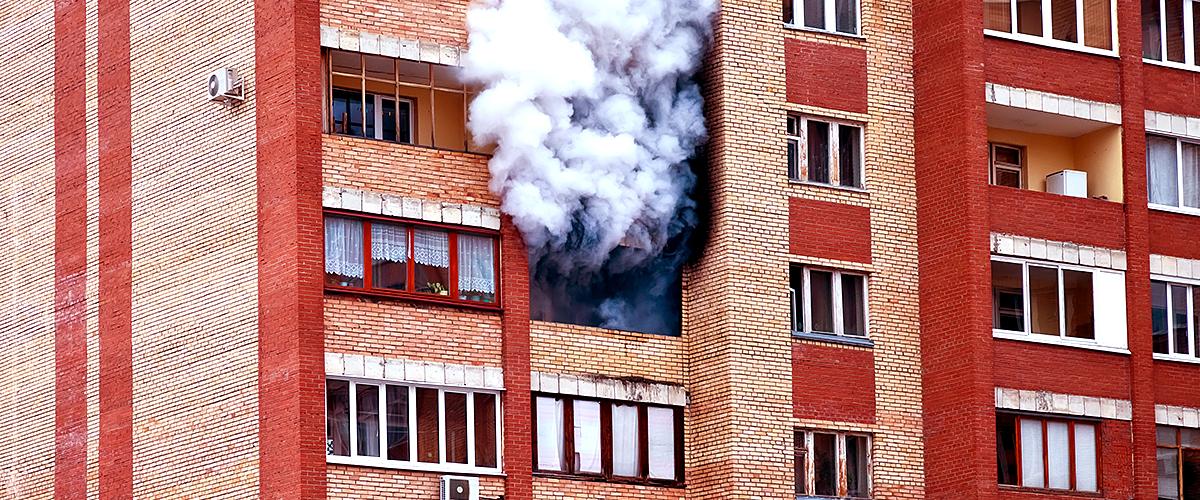 Le sauvetage impressionnant de 3 enfants par des passants lors d'un incendie