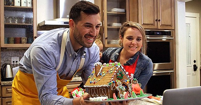 See How Jinger Duggar & Jeremy Vuolo Used a Gingerbread House to Reveal Their Second Pregnancy