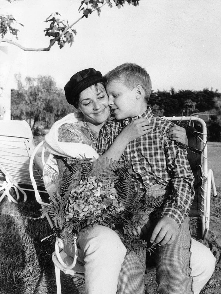 Jeanne Moreau et son fils en 1961. l Source : Getty Images