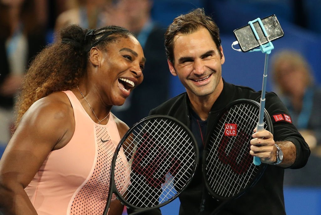 Serena Williams and Roger Federer taking a selfie during the 2019 Hopman Cup in Perth, Australia. | Photo: Getty Images