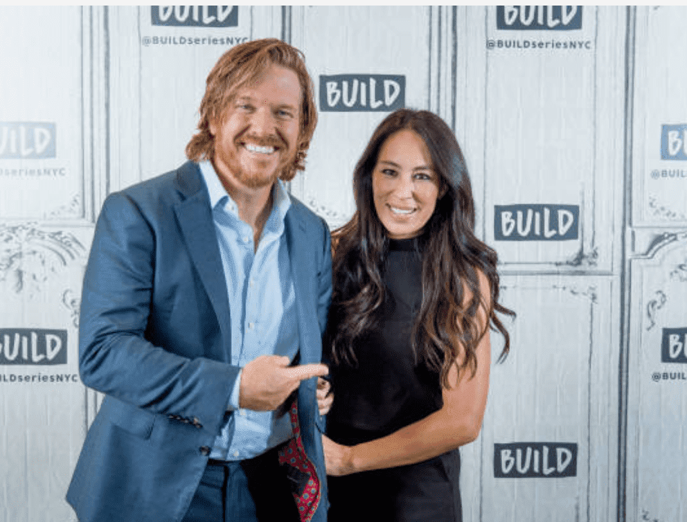 "Chip Gaines and Joanna Gaines pose together after a showing of ""Fixer Upper"" with the Build Series, at Build Studio, on October 18, 2017, New York City 