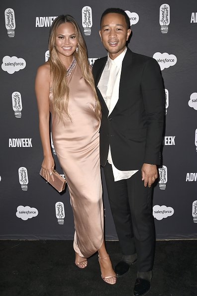 Chrissy Teigen and John Legend attend The 2019 Brandweek Brand Genius Awards Gala in Palm Springs, California. | Photo: Getty Images