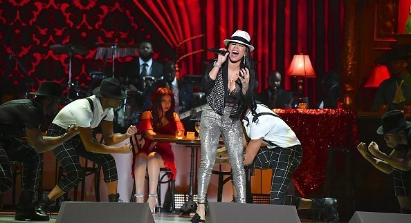 Keyshia Cole performs during the 2017 Soul Train Music Awards at the Orleans Arena | Photo: Getty Images