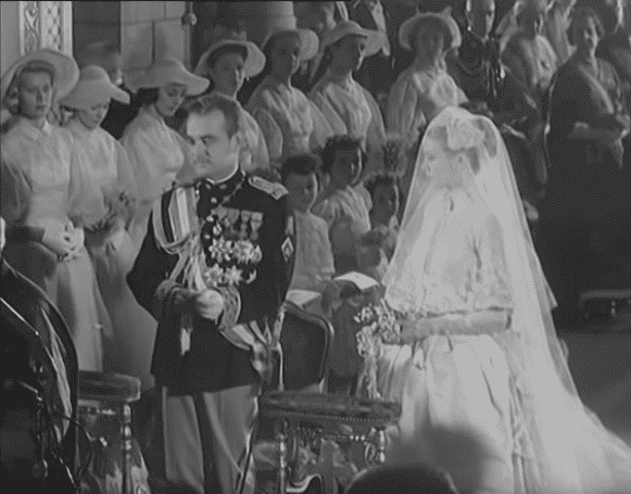 Grace Kelly and Prince Rainier III of Monaco's wedding. |Photo: YouTube/ British Pathe.