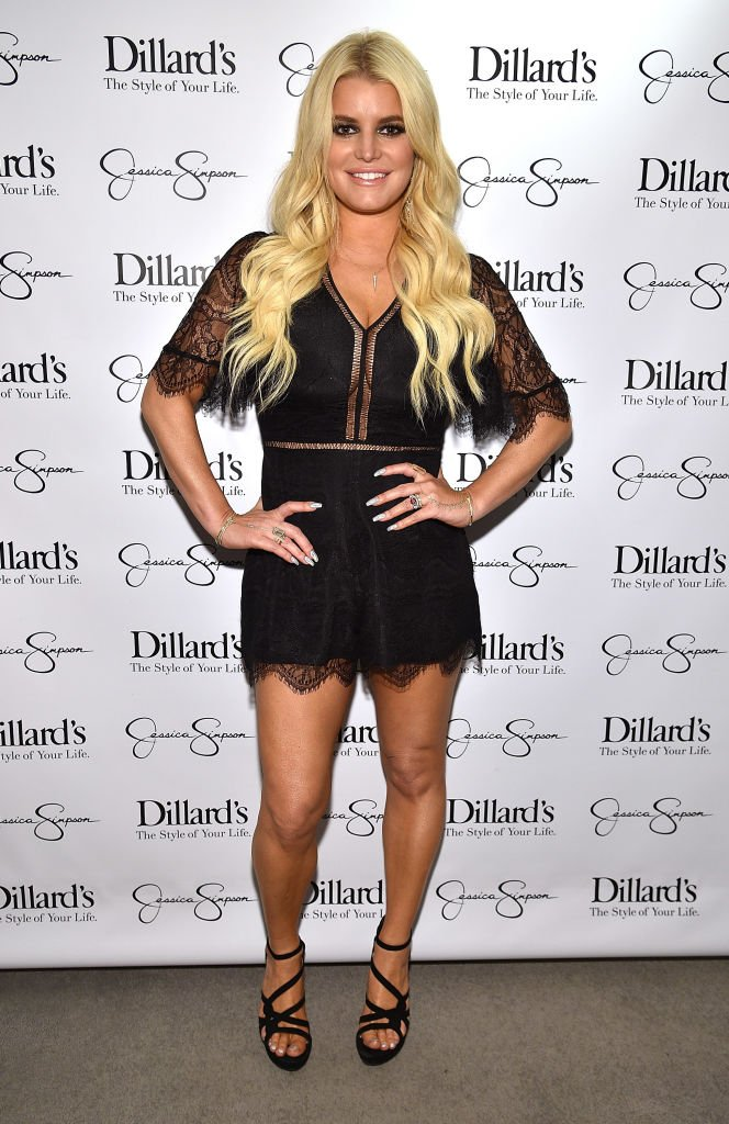 Jessica Simpson shows off her toned body at the launch of her fashion line. | Photo: Getty Images.
