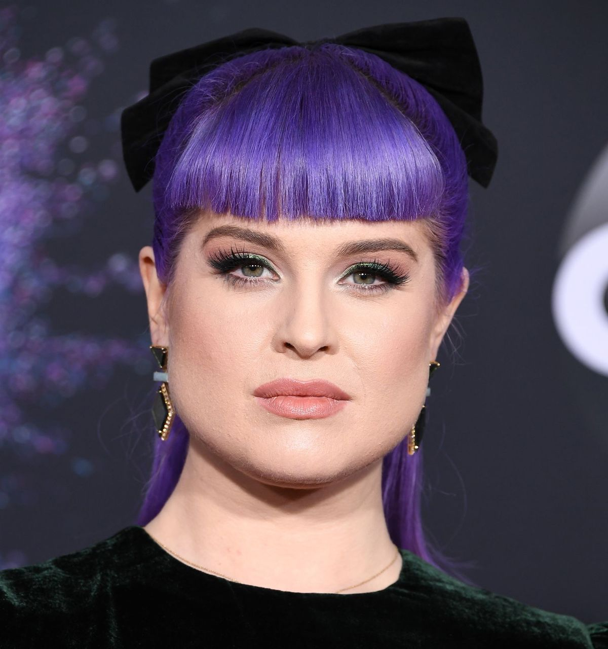 Kelly Osbourne at the 2019 American Music Awards  on November 24, 2019 in LA | Getty Images
