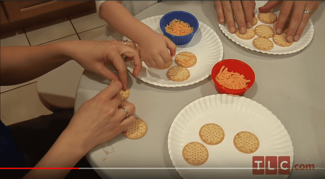 Crackers and cheese | Youtube: TLC
