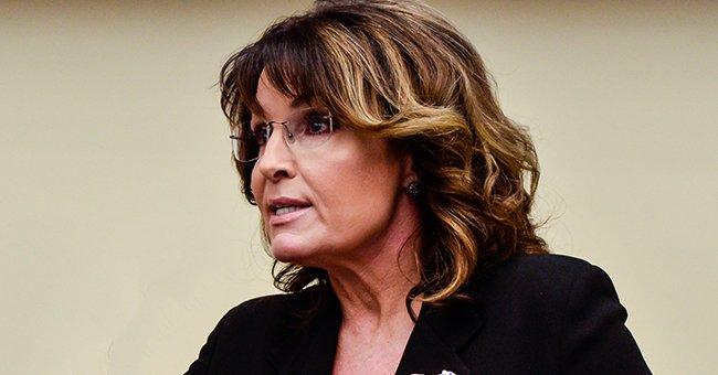 Sarah Palin Tests Positive for COVID-19 & Reveals Strange Symptoms She Has Been Experiencing