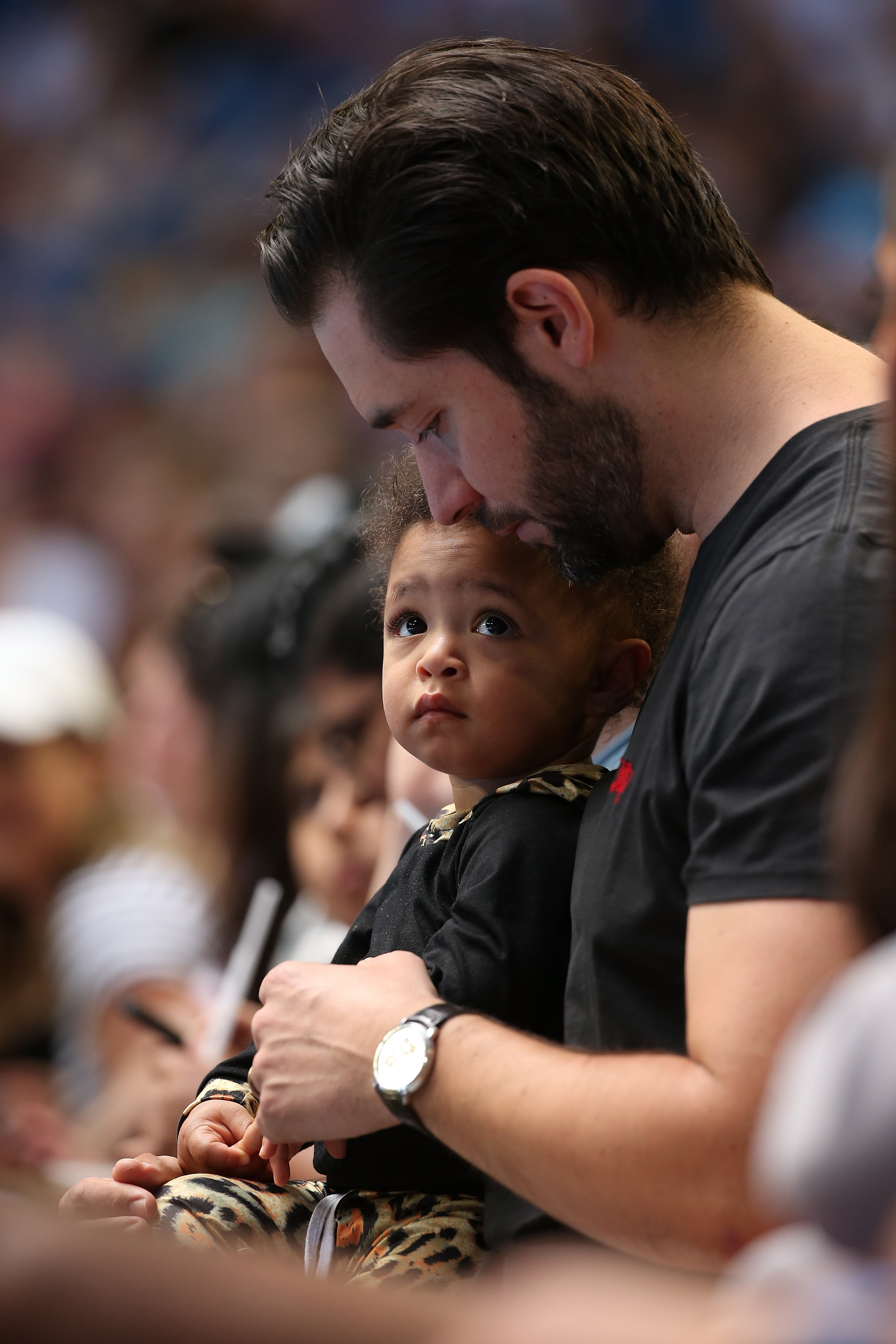 Alexis Ohanian sits court side with daughter Alexis Olympia during day six of the 2019 Hopman Cup at RAC Arena on January 03, 2019. | Photo: GettyImages