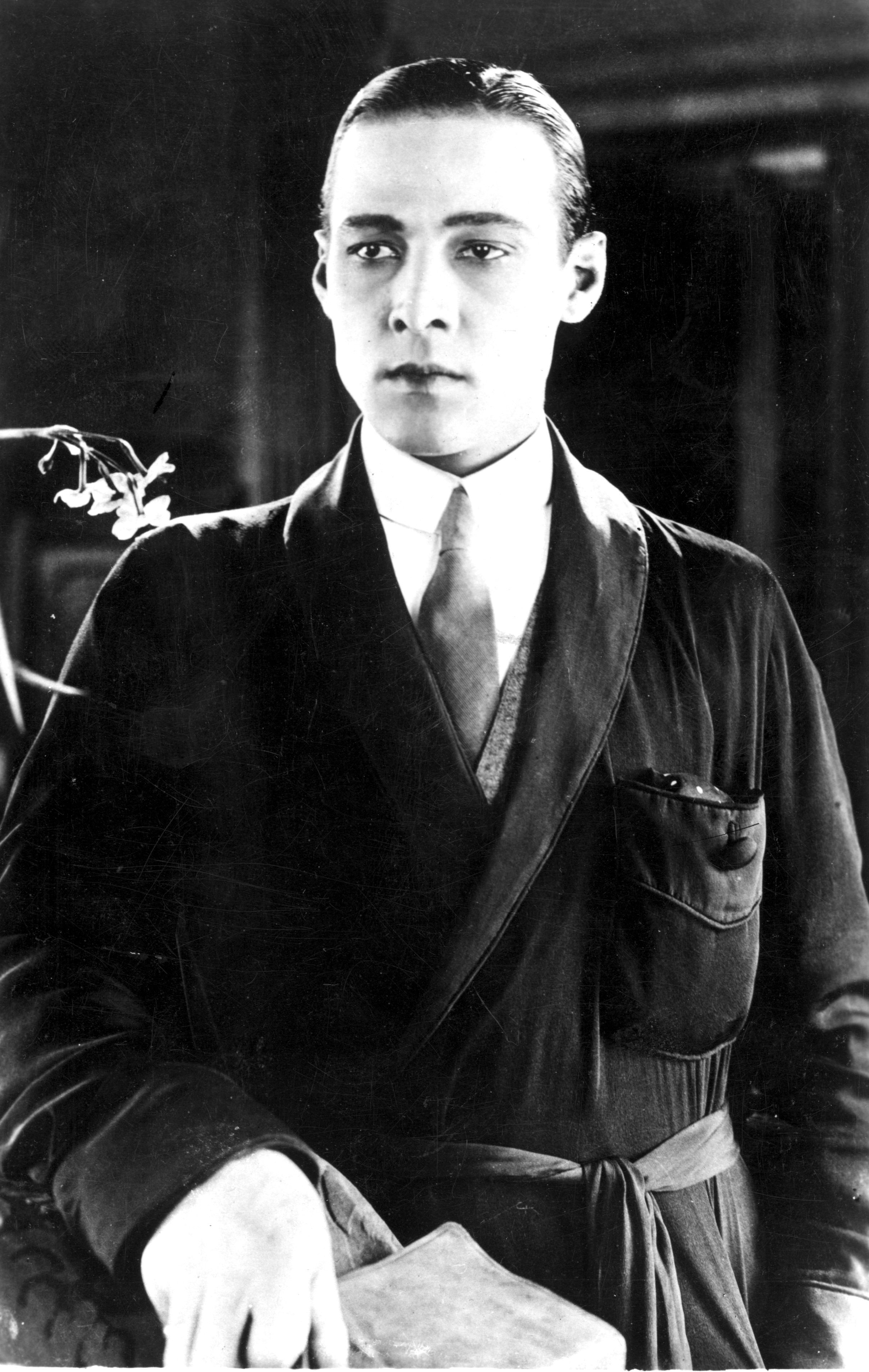 Portrait of Italian actor Rudolph Valentino on 01 January, 1925 | Photo: Getty Images